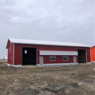 Photo 1: E 450 Kuzenko Street in Niverville: R07 Industrial / Commercial / Investment for lease : MLS®# 202124387