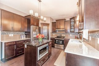 Photo 8: 5246 MULLEN Crest in Edmonton: Zone 14 Attached Home for sale : MLS®# E4255737