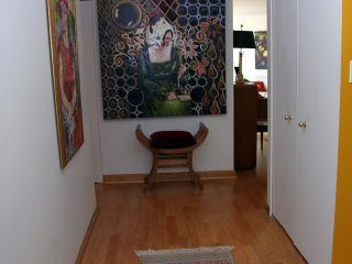 "Photo 3: 304 1450 PENNYFARTHING Drive in Vancouver: False Creek Condo for sale in ""HARBOUR COVE"" (Vancouver West)  : MLS®# V874456"