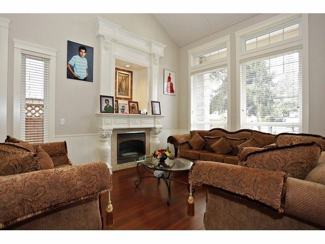 Photo 2: Photos: 9730 153A Street in Surrey: Guildford House for sale (North Surrey)  : MLS®# F1409130
