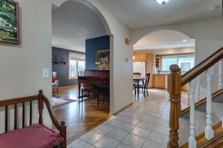 Photo 4: 167 Sunmount Bay SE in Calgary: Sundance Detached for sale : MLS®# A1088081