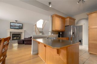 Photo 11: 242 STRATHRIDGE Place SW in Calgary: Strathcona Park Detached for sale : MLS®# C4246259