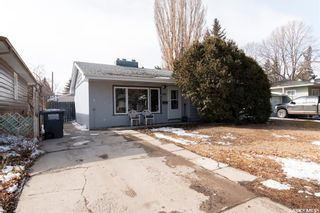 Photo 1: 433 Q Avenue North in Saskatoon: Mount Royal SA Residential for sale : MLS®# SK847415