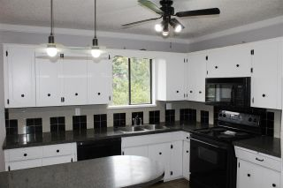 """Photo 2: 8158 WAXBERRY Crescent in Mission: Mission BC House for sale in """"Hillside / Cherry Ridge"""" : MLS®# R2358128"""