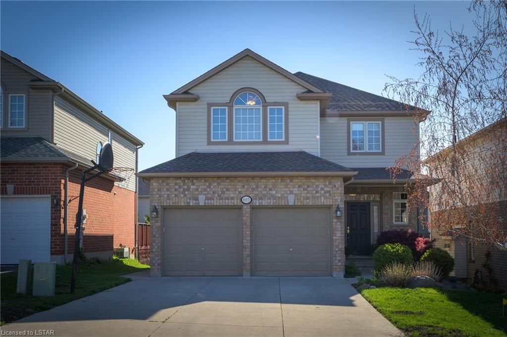 Main Photo: 603 CLEARWATER Crescent in London: North B Residential for sale (North)  : MLS®# 40112201