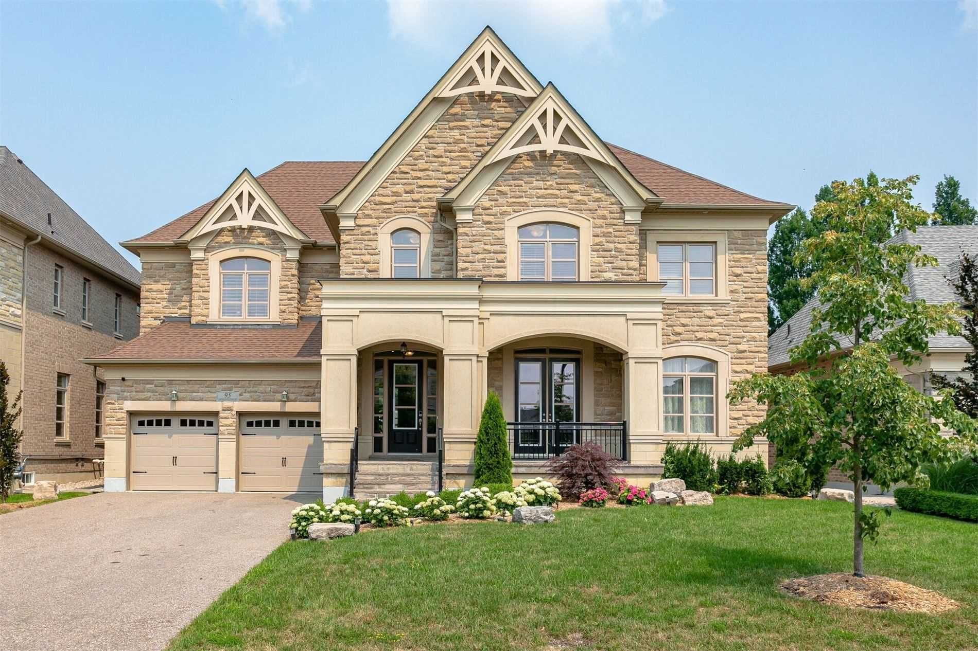 Main Photo: 95 Sarracini Cres in Vaughan: Islington Woods Freehold for sale : MLS®# N5318300