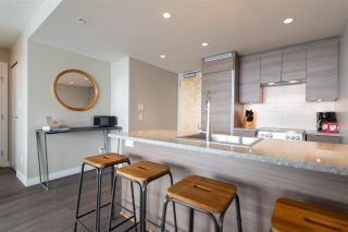 """Photo 6: 3208 488 SW MARINE Drive in Vancouver: Marpole Condo for sale in """"Marine Gateway"""" (Vancouver West)  : MLS®# R2440904"""