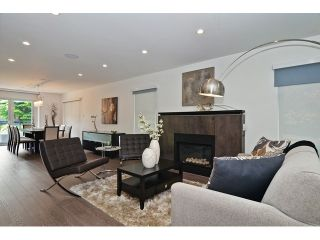 """Photo 3: 598 W 24TH Avenue in Vancouver: Cambie House for sale in """"DOUGLAS PARK"""" (Vancouver West)  : MLS®# V1125988"""