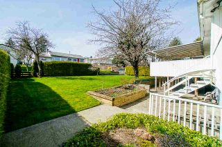 """Photo 33: 1283 PARKER Street: White Rock House for sale in """"EAST BEACH"""" (South Surrey White Rock)  : MLS®# R2562015"""