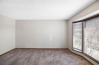 Photo 5: 72 Shawmeadows Crescent SW in Calgary: Shawnessy Detached for sale : MLS®# A1097940