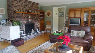 """Photo 8: 1151 AXEN Road in Squamish: Brackendale House for sale in """"Brackendale"""" : MLS®# R2047155"""