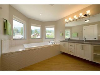Photo 14: 440 W Kings Rd in North Vancouver: Upper Lonsdale House for sale : MLS®# V1129791