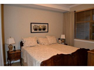 """Photo 4: 202 2511 KING GEORGE Boulevard in Surrey: King George Corridor Condo for sale in """"The Pacifica"""" (South Surrey White Rock)  : MLS®# F1410930"""