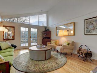 Photo 3: 880 Byng St in : OB South Oak Bay House for sale (Oak Bay)  : MLS®# 870381