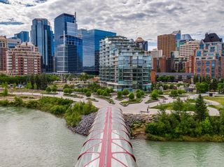 Photo 1: 407 738 1 Avenue SW in Calgary: Eau Claire Apartment for sale : MLS®# A1124073