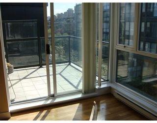 Photo 4: # 405 1450 W 6TH AV in Vancouver: Condo for sale : MLS®# V822935