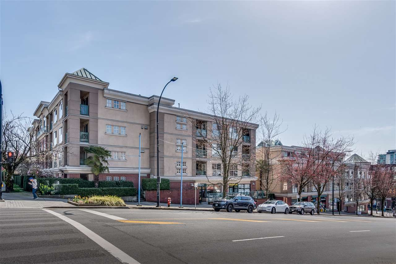 """Main Photo: 310 332 LONSDALE Avenue in North Vancouver: Lower Lonsdale Condo for sale in """"CALYPSO"""" : MLS®# R2559698"""