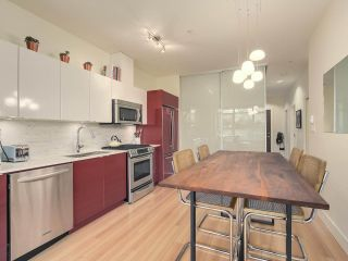 """Photo 9: 209 2250 COMMERCIAL Drive in Vancouver: Grandview VE Condo for sale in """"THE MARQUEE"""" (Vancouver East)  : MLS®# R2253784"""
