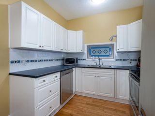Photo 11: 917 4 Avenue NW in Calgary: Sunnyside Detached for sale : MLS®# A1111156