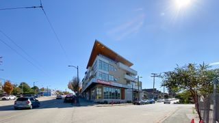 """Photo 4: 311 4338 COMMERCIAL Street in Vancouver: Victoria VE Condo for sale in """"TRIO"""" (Vancouver East)  : MLS®# R2623685"""