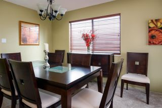 Photo 5: 3841 ULSTER Street in Port Coquitlam: Oxford Heights House for sale : MLS®# R2142329