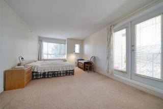 """Photo 14: 1 6588 SOUTHOAKS Crescent in Burnaby: Highgate Townhouse for sale in """"TUDOR GROVE"""" (Burnaby South)  : MLS®# R2343498"""