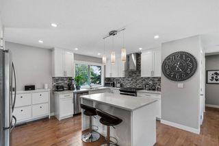 Photo 4: 412 Arlington Drive SE in Calgary: Acadia Detached for sale : MLS®# A1134169