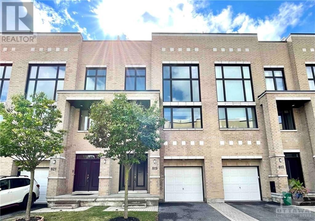 Main Photo: 819 PETRA PRIVATE in Ottawa: House for sale : MLS®# 1260181
