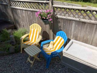 """Photo 20: 45 4116 BROWNING Road in Sechelt: Sechelt District Manufactured Home for sale in """"ROCKLAND WYND"""" (Sunshine Coast)  : MLS®# R2472545"""