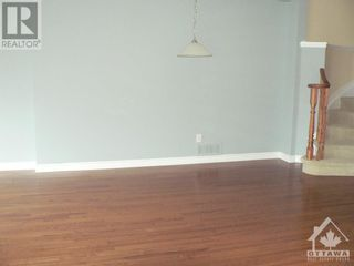Photo 6: 301 WAYMARK CRESCENT in Ottawa: House for rent : MLS®# 1259127