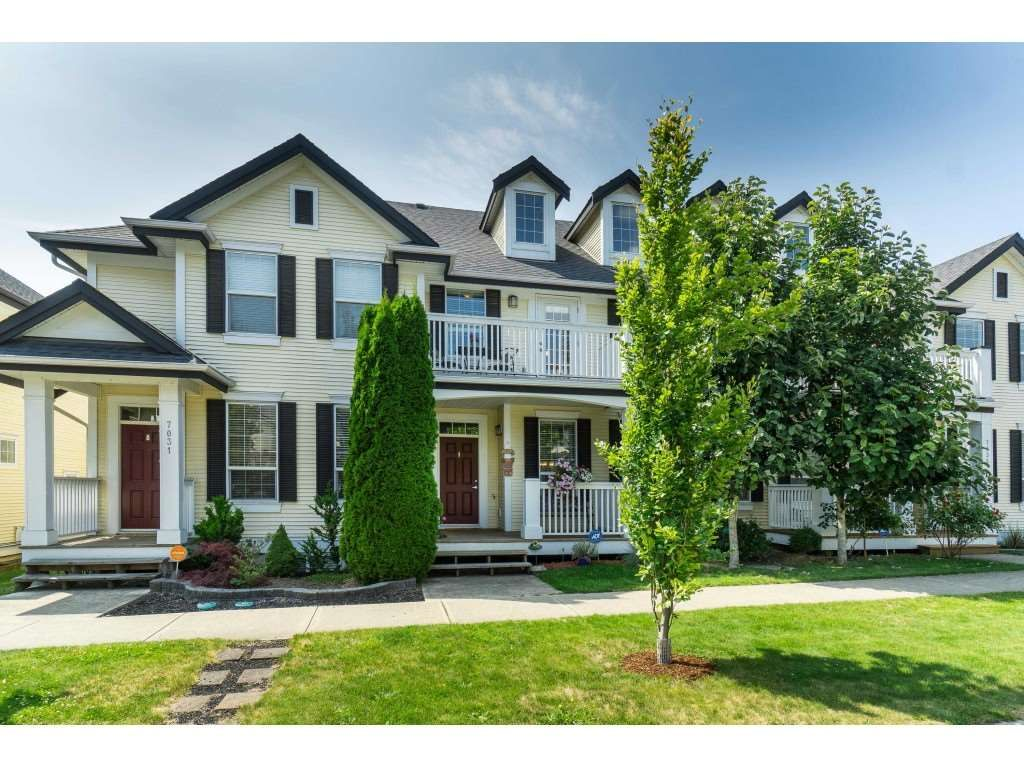 """Main Photo: 7033 179A Street in Surrey: Cloverdale BC Condo for sale in """"Provinceton"""" (Cloverdale)  : MLS®# R2392761"""