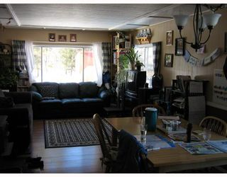 Photo 6: 7062 WATCH LAKE RD in Lone Butte: Lone Butte/Green Lk/Watch Lk Manufactured Home for sale (100 Mile House (Zone 10))  : MLS®# N186925