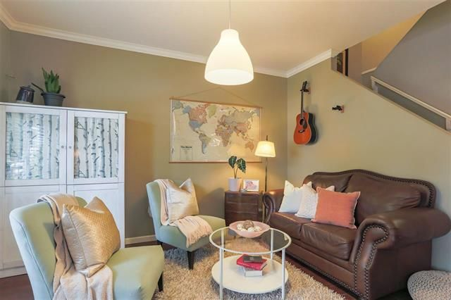 Photo 4: Photos: 16627 59A Avenue in Surrey: Cloverdale BC House for sale (Cloverdale)  : MLS®# R2287979