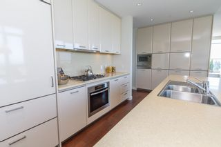 Photo 6: 1202 5955 BALSAM Street in Vancouver West: Home for sale : MLS®# V1035156