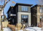 Main Photo: 824 22 Avenue NW in Calgary: Mount Pleasant Detached for sale : MLS®# A1072438