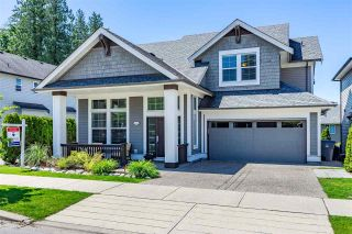 Photo 1: 6057 164 Street in Surrey: Cloverdale BC House for sale (Cloverdale)  : MLS®# R2459853