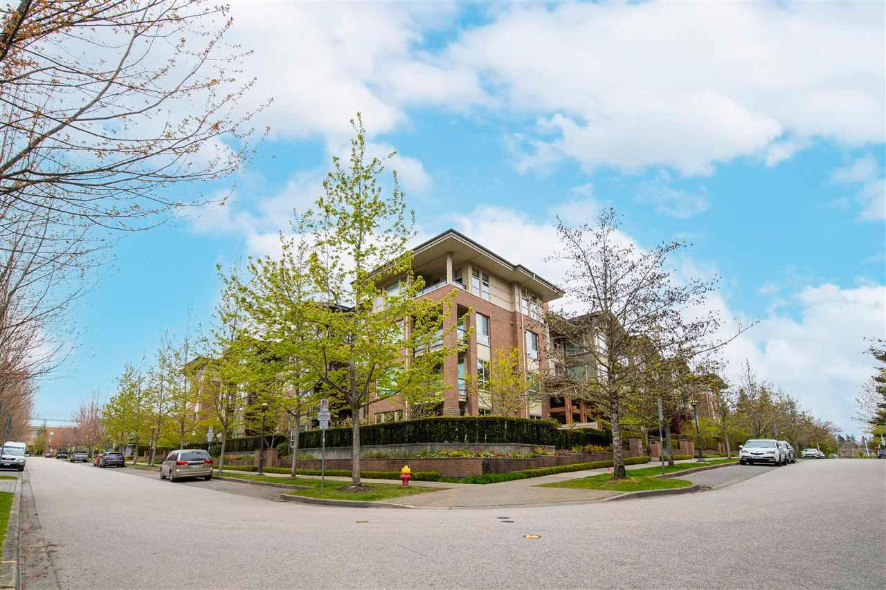 """Main Photo: 303 6268 EAGLES Drive in Vancouver: University VW Condo for sale in """"CLEMENTS GREEN"""" (Vancouver West)  : MLS®# R2572798"""