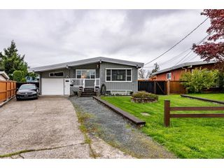 Photo 3: 10107 FAIRBANKS Crescent in Chilliwack: Fairfield Island House for sale : MLS®# R2625855