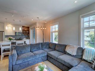 Photo 3: 205 1765 Oak Bay Ave in : Vi Rockland Condo for sale (Victoria)  : MLS®# 854014