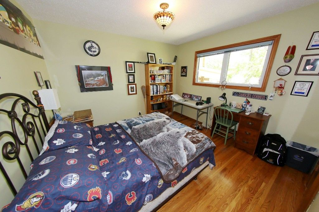Photo 21: Photos: 105 Athlone Drive in Winnipeg: Grace Hospital Single Family Detached for sale (West Winnipeg)  : MLS®# 1516101
