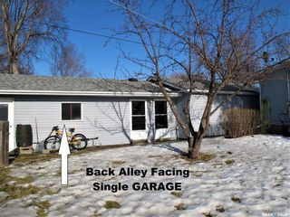 Photo 3: 105 3rd Avenue in Lampman: Residential for sale : MLS®# SK844392
