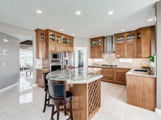 Photo 7: 70 Discovery Ridge Road SW in Calgary: Discovery Ridge Detached for sale : MLS®# A1112667