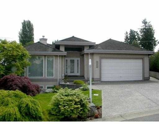 """Main Photo: 332 ROSEHILL Wynd in Tsawwassen: Pebble Hill House for sale in """"ROSE HILL"""" : MLS®# V538945"""