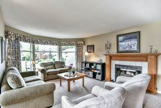 Photo 2: 15833 91 Avenue in Surrey: Fleetwood Tynehead House for sale : MLS®# R2213982