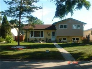 Photo 1: 361 SOUTHALL Drive in Winnipeg: Residential for sale (Canada)  : MLS®# 1114484