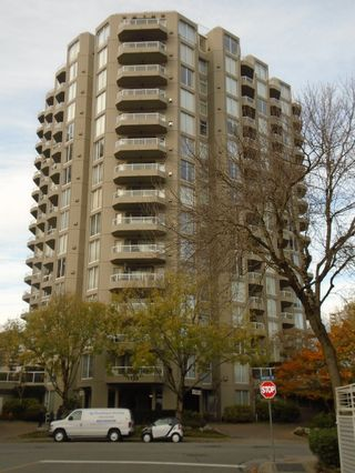 Main Photo: 1135 Quayside Drive in NewWestminster: Condo for lease