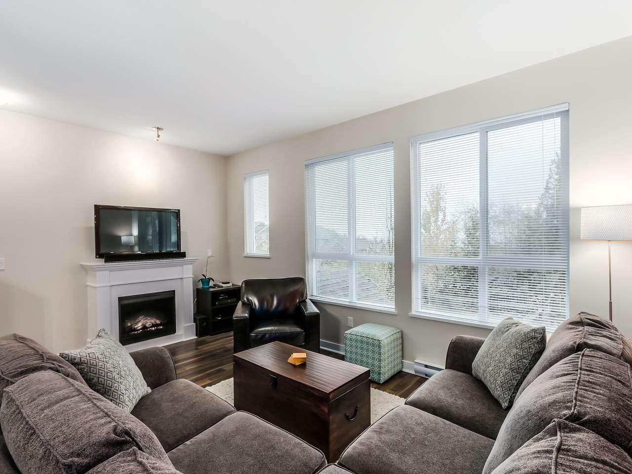 """Photo 3: Photos: 102 1480 SOUTHVIEW Street in Coquitlam: Burke Mountain Townhouse for sale in """"CEDAR CREEK NORTH"""" : MLS®# R2016018"""