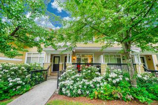 """Photo 2: 81 6878 SOUTHPOINT Drive in Burnaby: South Slope Townhouse for sale in """"CORTINA"""" (Burnaby South)  : MLS®# R2369497"""