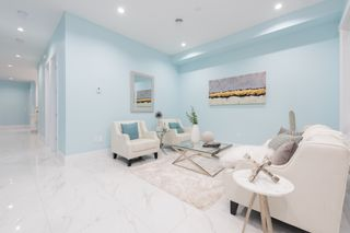 Photo 4: 906 ALDERSON Avenue in Coquitlam: Maillardville House for sale : MLS®# R2403911