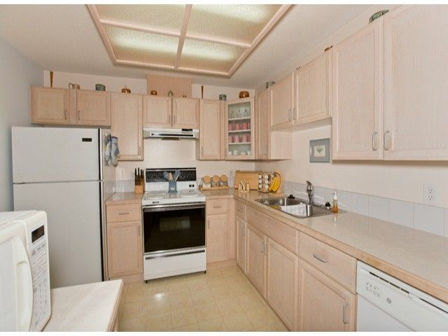 """Photo 5: Photos: 10772 142A Street in Surrey: Whalley Townhouse for sale in """"PARKSIDE PLACE"""" (North Surrey)  : MLS®# F1314415"""